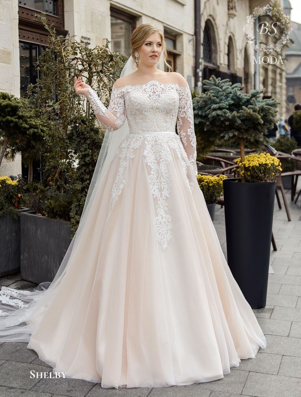 Shelby wedding dress Gorgeous beauty collection